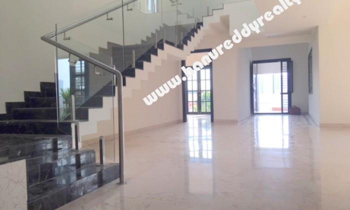4 BHK Villa for Rent in Akkarai